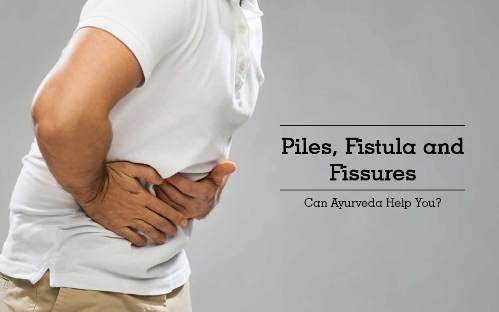 what are the difference between piles and fissure?